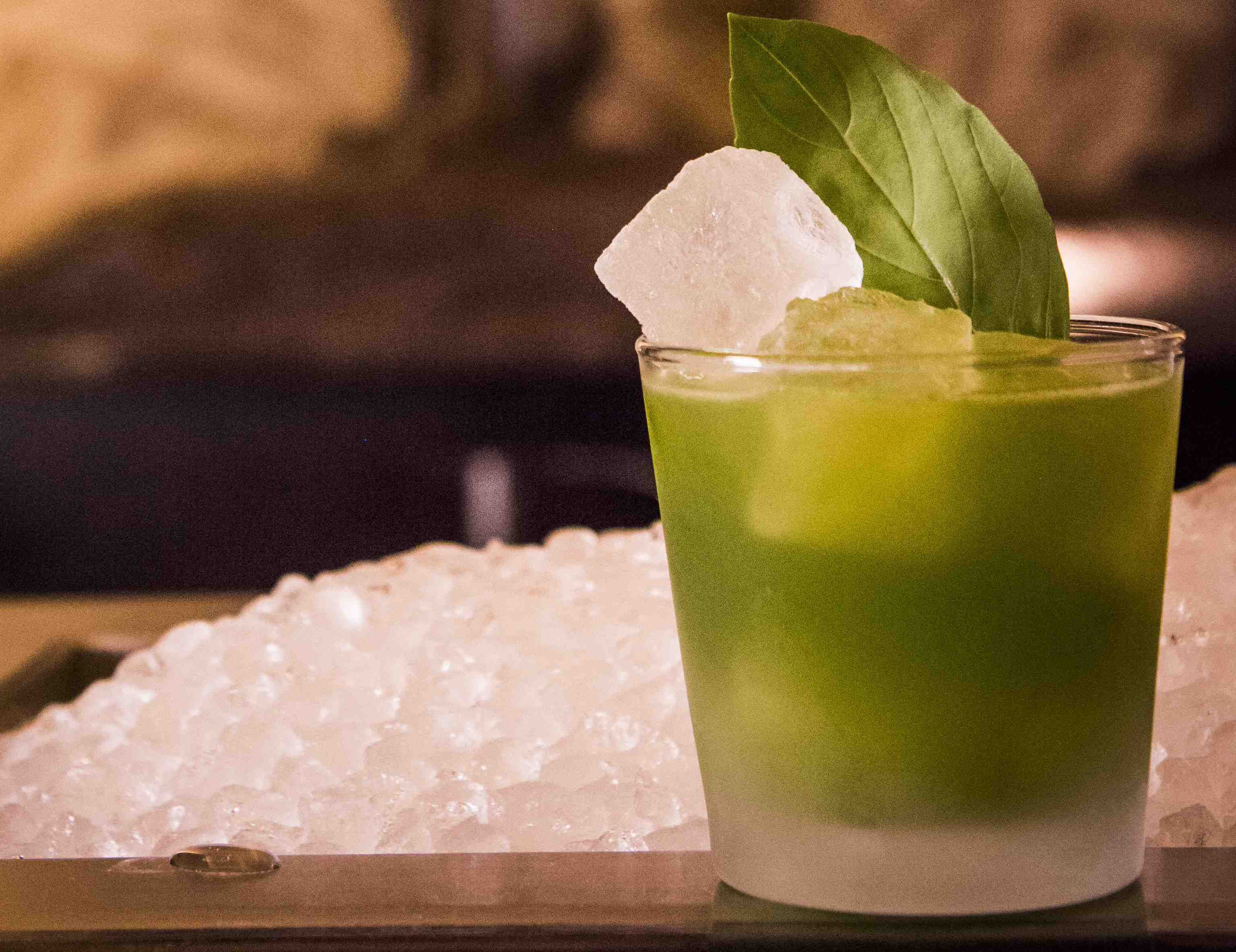 """Gin basil Smash"" was invented at ""Le Lion"" Bar, Hamburg ©Le Lion"