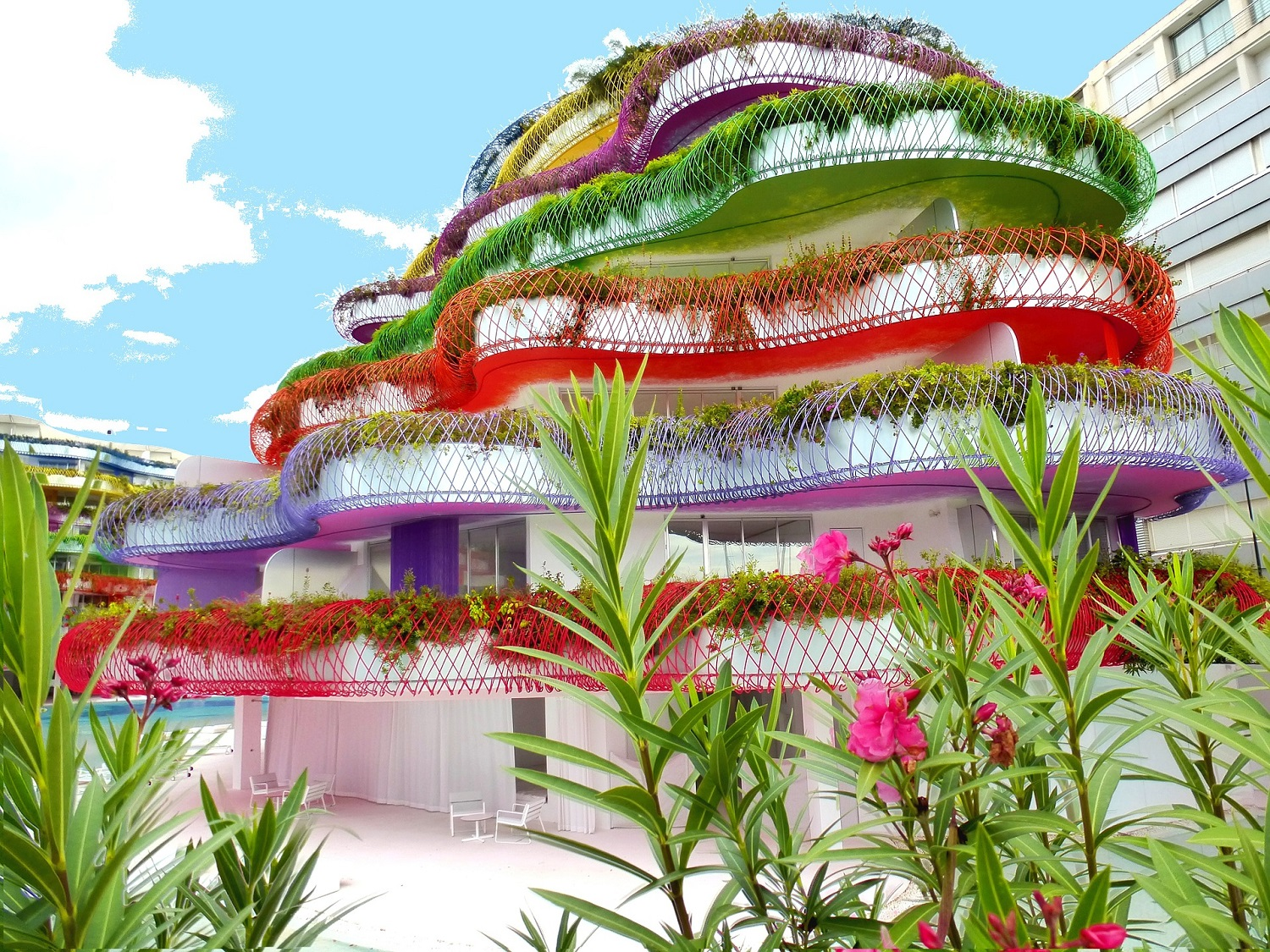 Coulourful Building on Ibiza - Source: pixabay.com
