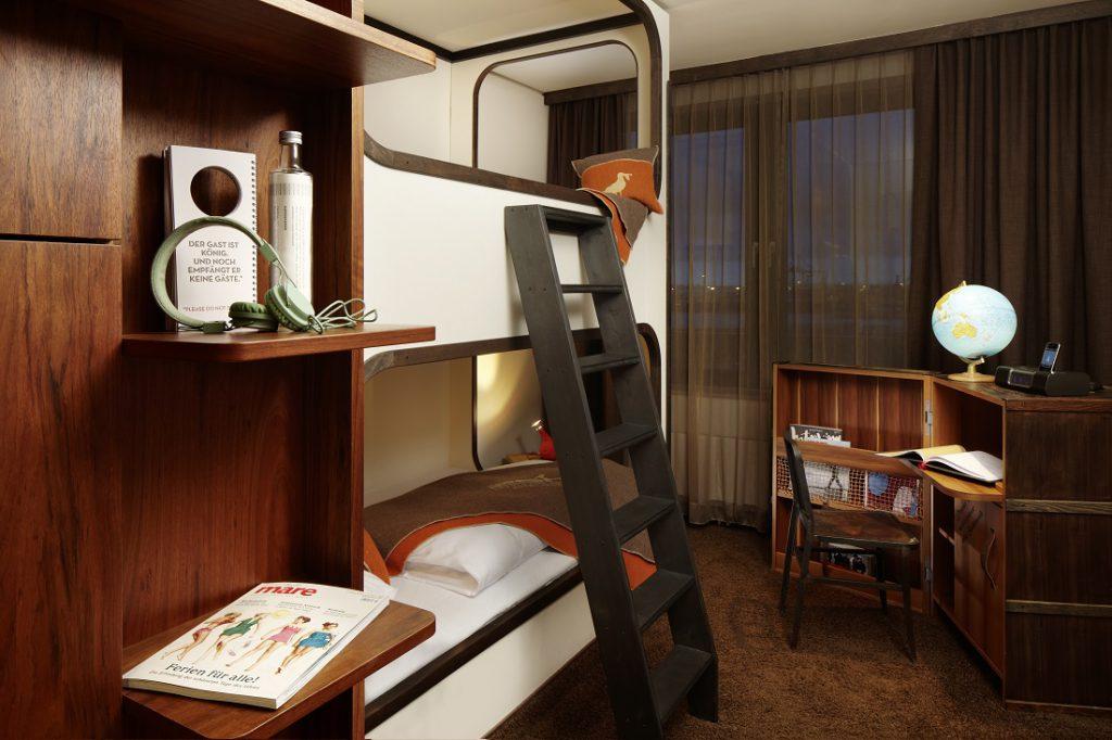 die besten designhotels in hamburg reisetipps bei mann von welt. Black Bedroom Furniture Sets. Home Design Ideas