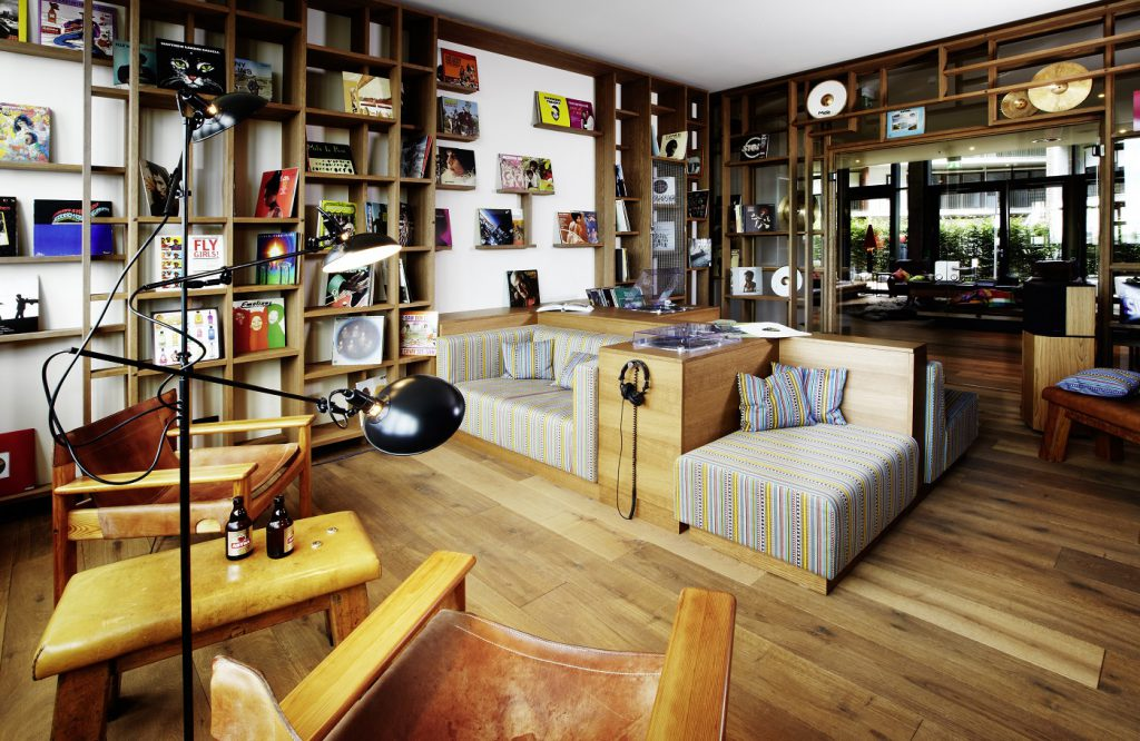 25h Designhotel HafenCity | Vinyl-Room ©Stephan Lemke for 25hours Hotel