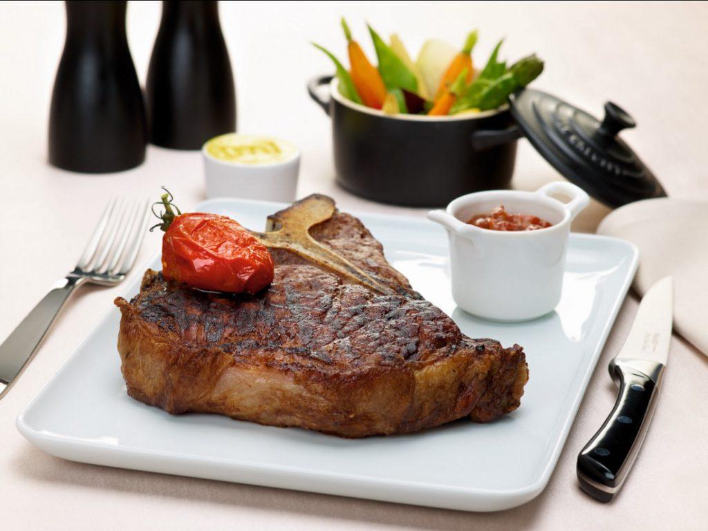 [m]eatery Steakgenuss @ SIDE_Hotel_Designhotel_Hamburg ©SIDE Hotel